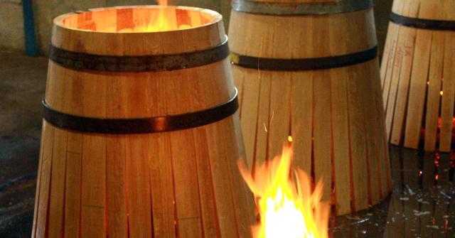 making-oak-barrels1.jpg